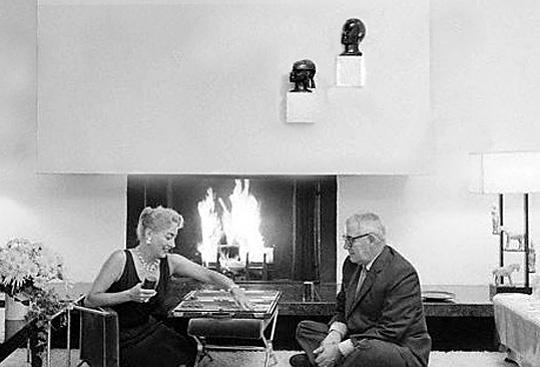 JERMAINE JACKSON and wife HAZEL GORDY JACKSON play backgammon at home ...